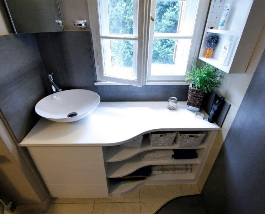 Perfekt eingebauter Waschtisch