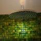 Duschkopf und Mosaikfliesen in der Dusche