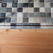 Arbeit aus Meisterhand Übergang Fliesen zu Holz