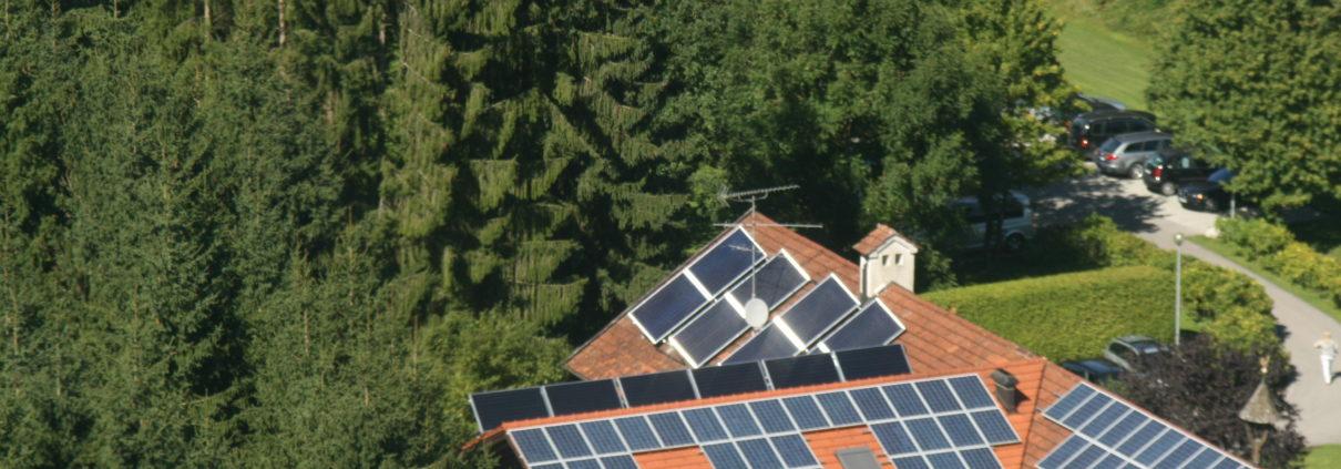Solarkollektoren und Photovoltaik kombiniert