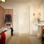 Badezimmer vor Badrenovierung