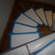 Beklebung der Holztreppe vor Badrenovierung