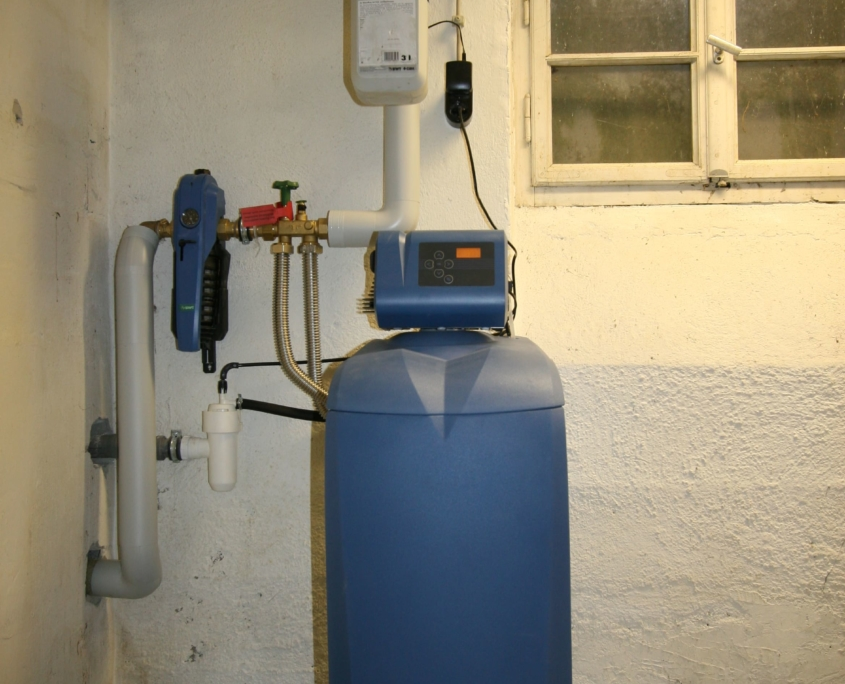 Wasserenthärtungsanlage BWT mit Dosierung und Hauswasserstation